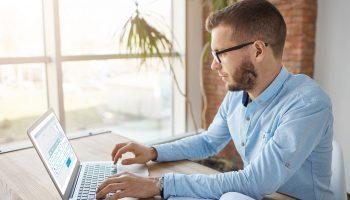 Benefícios de realizar um cadastro de clientes eficiente em sua ótica