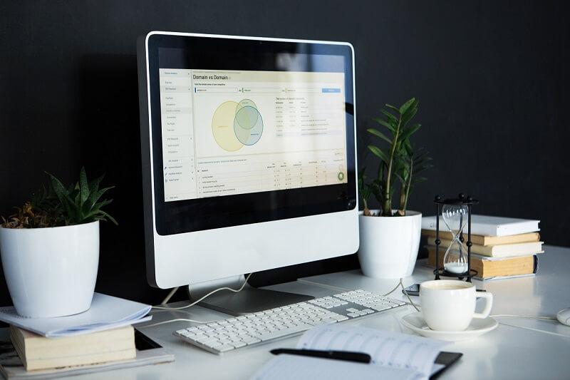 diferença entre planilhas eletrônicas e programa de gestão