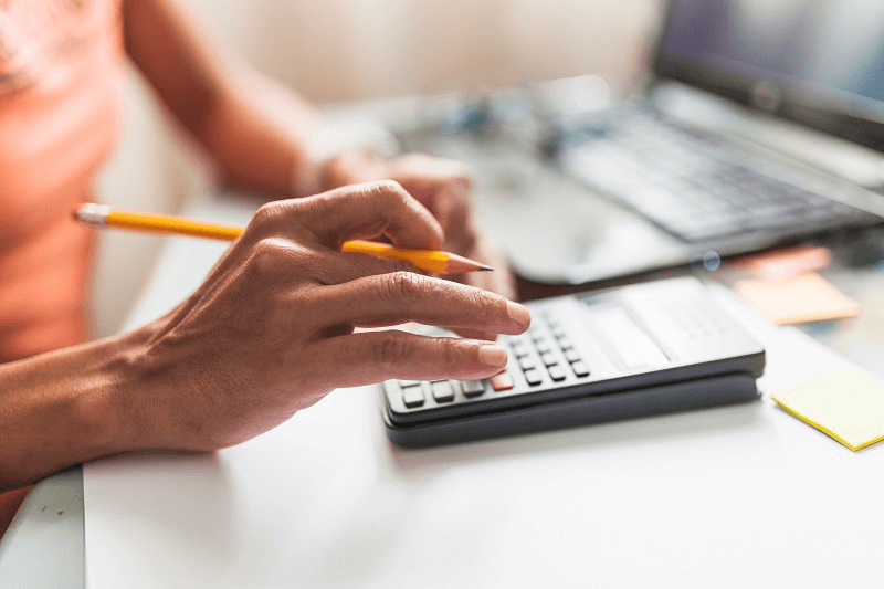 5 atitudes na gestão financeira que podem levar sua ótica à falência