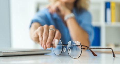 conheça melhor as marcas de lentes mais famosas do mercado óptico