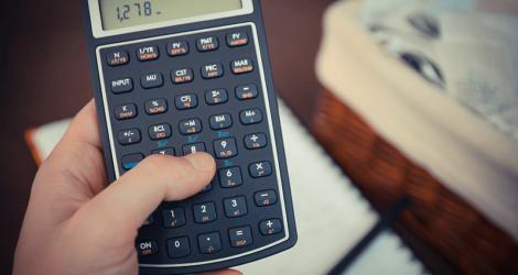 Aprenda a fazer o cálculo de juros e multas na sua ótica