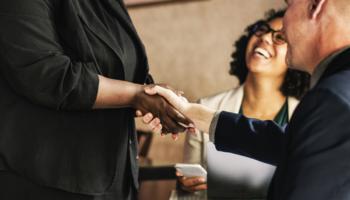 Aprenda a lidar com clientes difíceis na sua Ótica e conquiste-os de vez