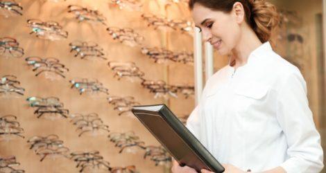 Caçar a receita significa criar facilidades para os clientes da sua Ótica. Clique e veja como aplicar essa prática na sua loja e saiba seus benefícios!