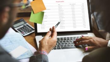 Confira nesse post como usar a análise de crédito em óticas para definir formas de pagamento e garantir que não surjam mais clientes inadimplentes!